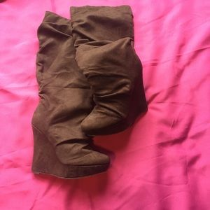 NWOT Michael Antonio wedge slouch boots